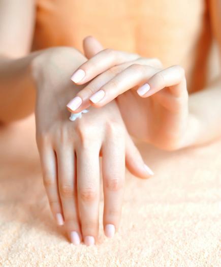 Όμορφα νύχια, μαλλιά και δέρμα