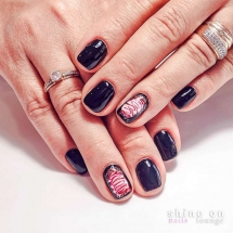 Μανικιούρ UV Gel & Nail Art
